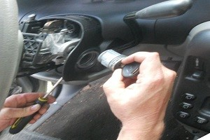 Ignition-lock-cylinder-replacement